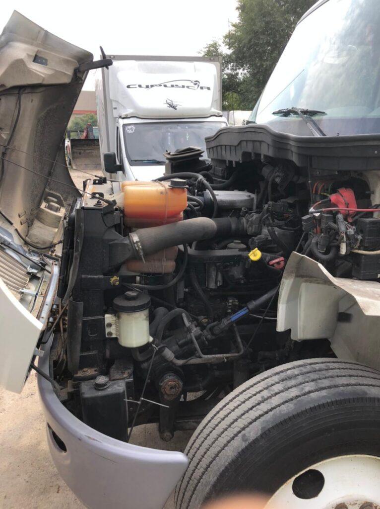 Механик грузовиков