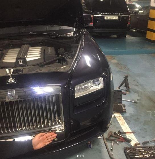 Rolls-Royce выезд мастера на место, замена пневмоподушки