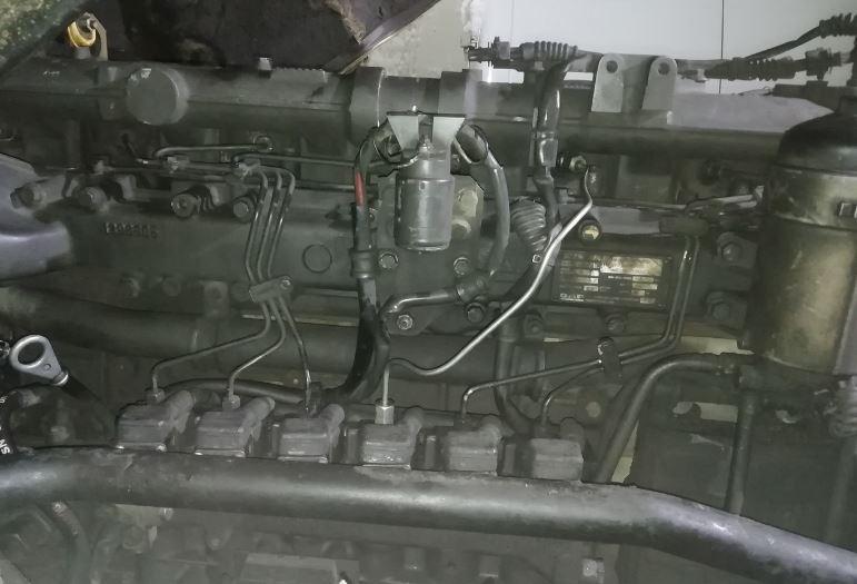 Ремонт DAF, стук двигателя